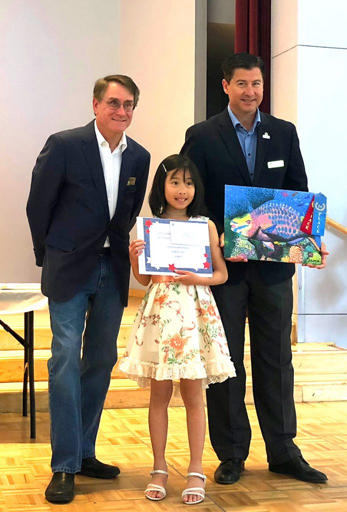 Jasmyn has won 2nd place for Dublin/San Ramon WC and 1st place for Mount Diablo District. She is her posing with the Mayor of Dublin